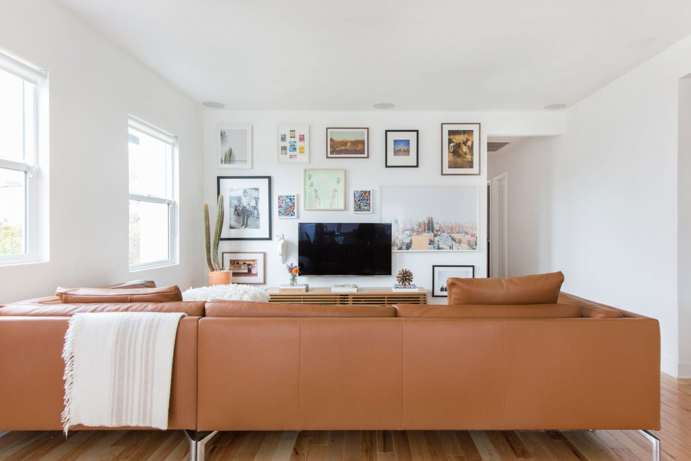 Behind-the-Scenes of a Silver Lake Redesign | Lakes, Living rooms ...