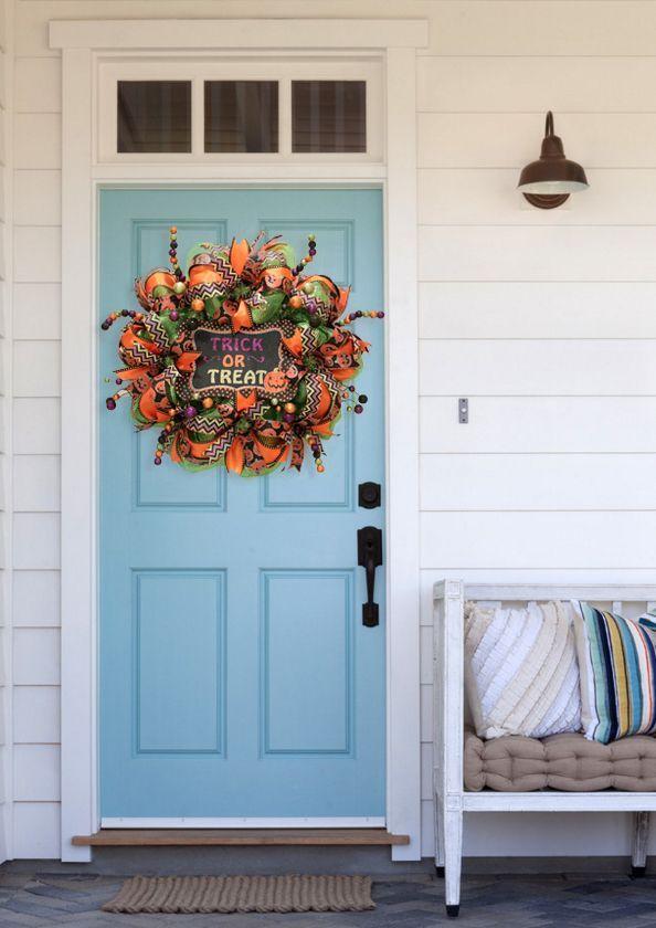DIY Halloween Mesh Wreath DIY Halloween, Wreaths and Holidays - decorating front door for halloween