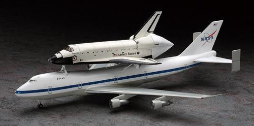 Hasegawa 1:200 Boeing 747 Plastic Model Airplane Kit HS10680 This Boeing 747 with Space Shuttle Orbiter Plastic Model Airplane Kit comprises 92 pieces. This model kit made by Hasegawa requires assembly and is 1:200 scale (approx. 29cm / 11.4in wingspan). Since the first test flight of the Enterprise in 1977, NASA has used Boeing 747s to transport Space Shuttle Orbiters on Earth. 747s take the orbiter from the landing site to the launch pad, as well as transport it for test flights…
