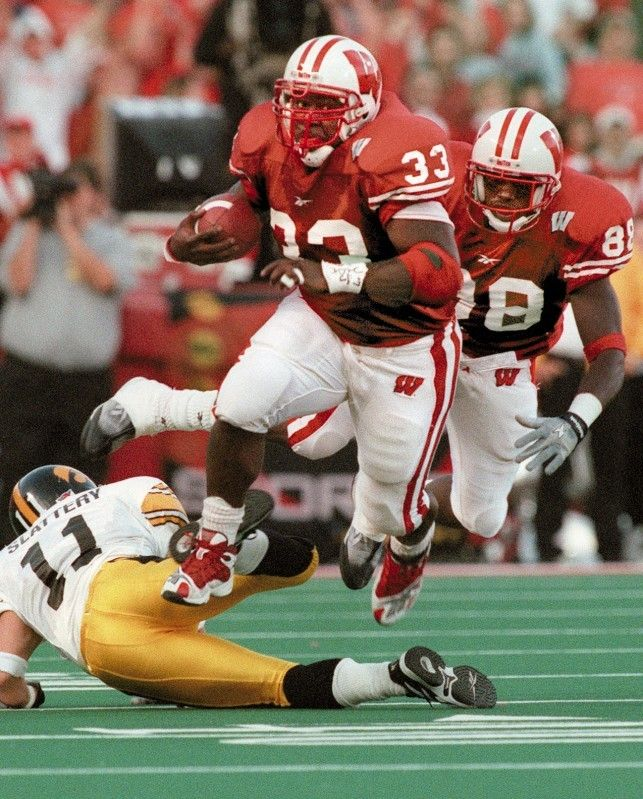 #33 Ron Dayne, Wisconsin Badgers, 1999 Heisman Trophy winner.