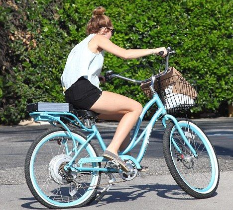 Miley Cyrus On Pedego Electric Bike Bicycle Girl Miley Cyrus Electric Bike