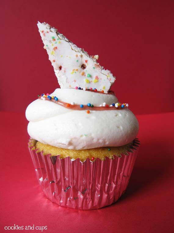 Pop tart cupcake.. finally the pop tart is put in the dessert category where she belongs! ;)