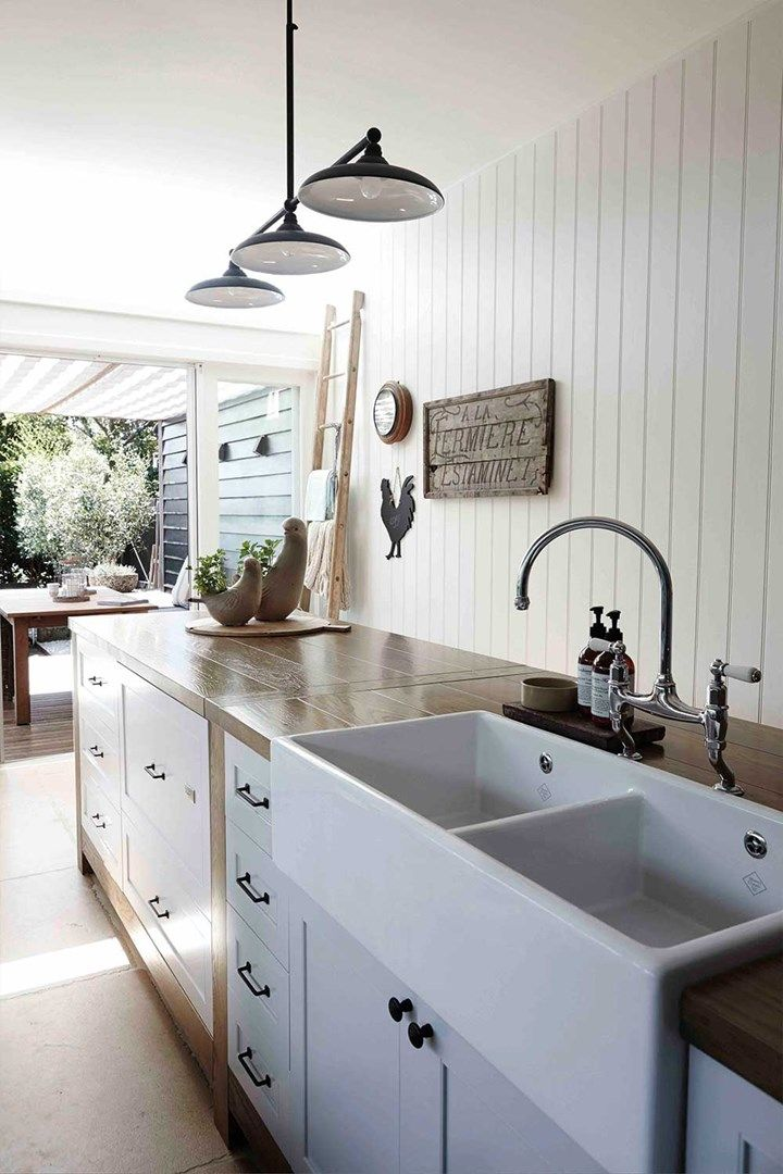The pros and cons of a ceramic kitchen sink French