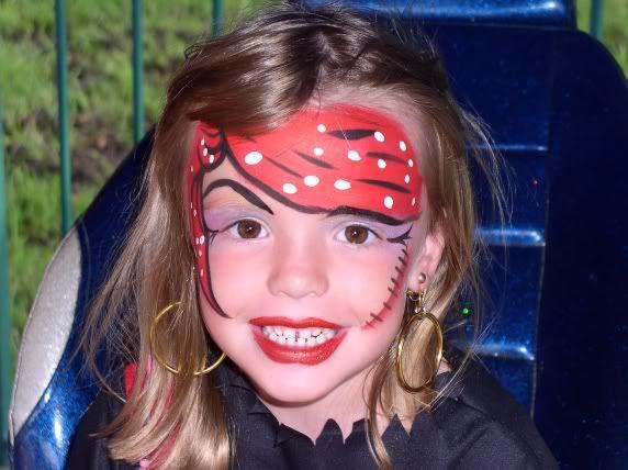 girl pirate with scar pirate party pirat schminken. Black Bedroom Furniture Sets. Home Design Ideas