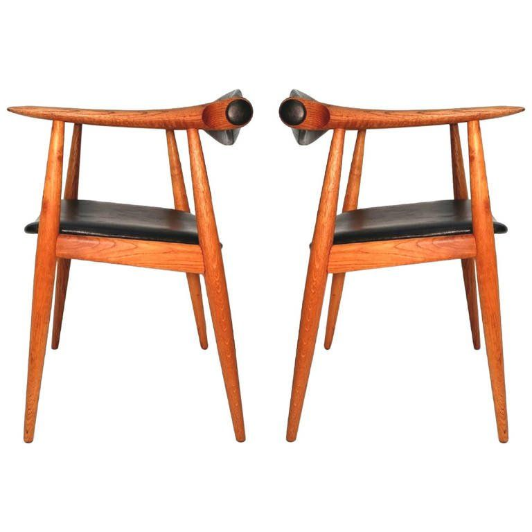 Pair of Oak and Black Leather CH-32 Hans Wegner Chairs Retailed by Georg Jensen 1962 | 1stdibs.com