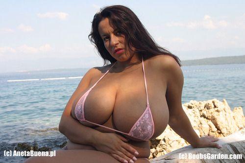 Aneta buena with pink bikini
