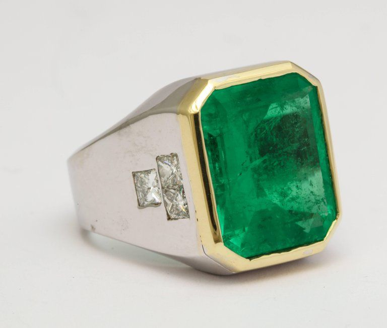 1stdibs Diamond, Emerald 18K Gold 13 Carat Colombian Men Ring