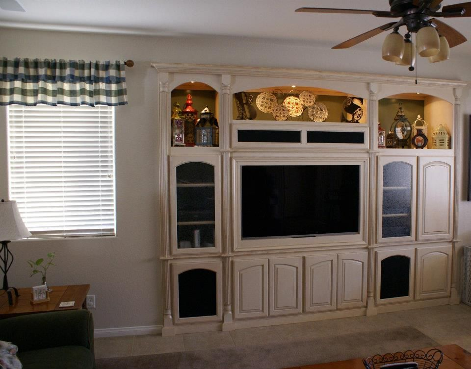 built+in+wall+units+and+entertainment+centers   built in home ...