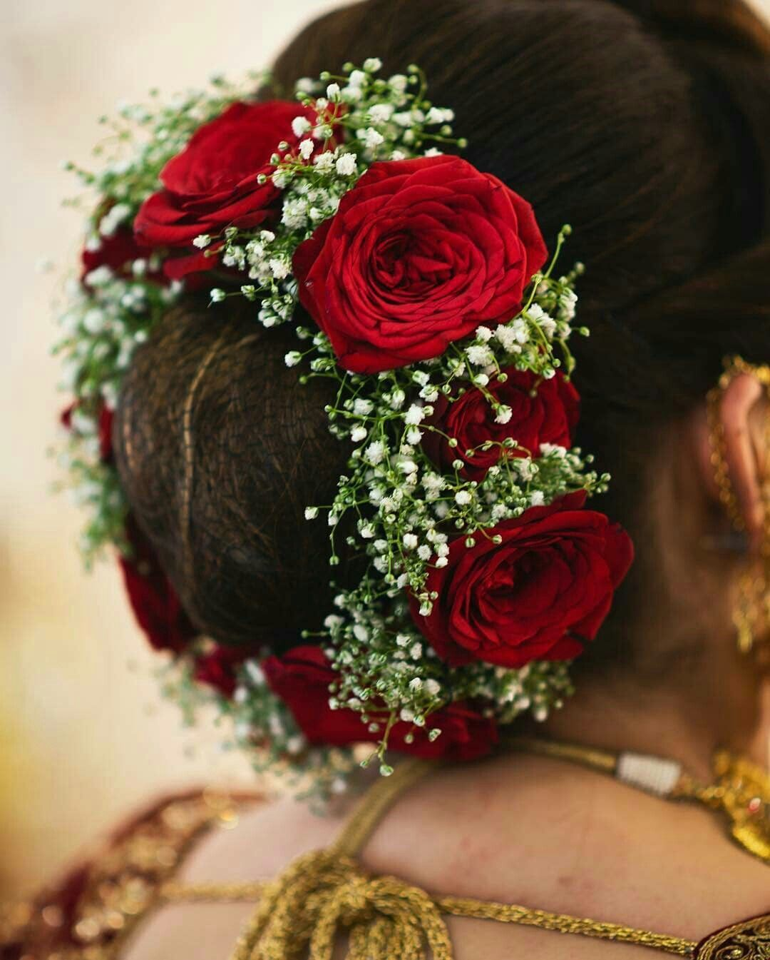 What A Beautiful Large Low Bun With Real Flower Gajra Care However Should Be Taken Bef Bridal Hair Decorations Bridal Hairstyle Indian Wedding Flowers In Hair