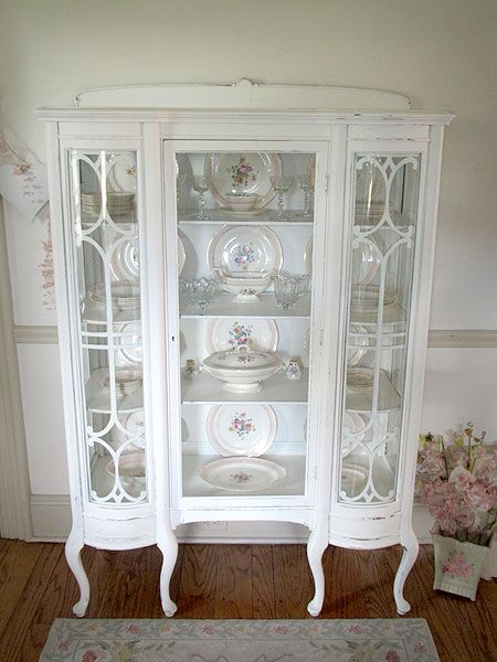 Antique White China Cabinet with Curved Glass;  http://www.foreverpinkcottagechic. - Pin By Tina At What We Keep On White Decor Shabby Chic, Furniture