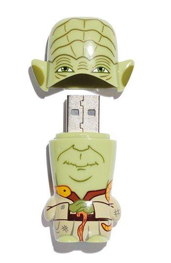 Yoda Star Wars Thumbnail Drive.