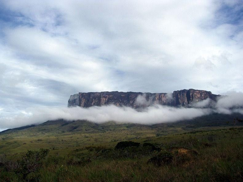 Tepui - the Lost World Exists in Reality, http://photovide.com/tepui/