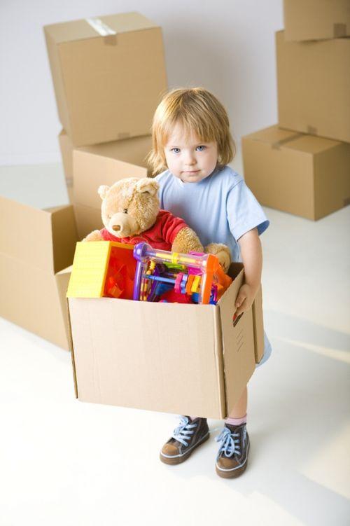 Фото дети убирают игрушки