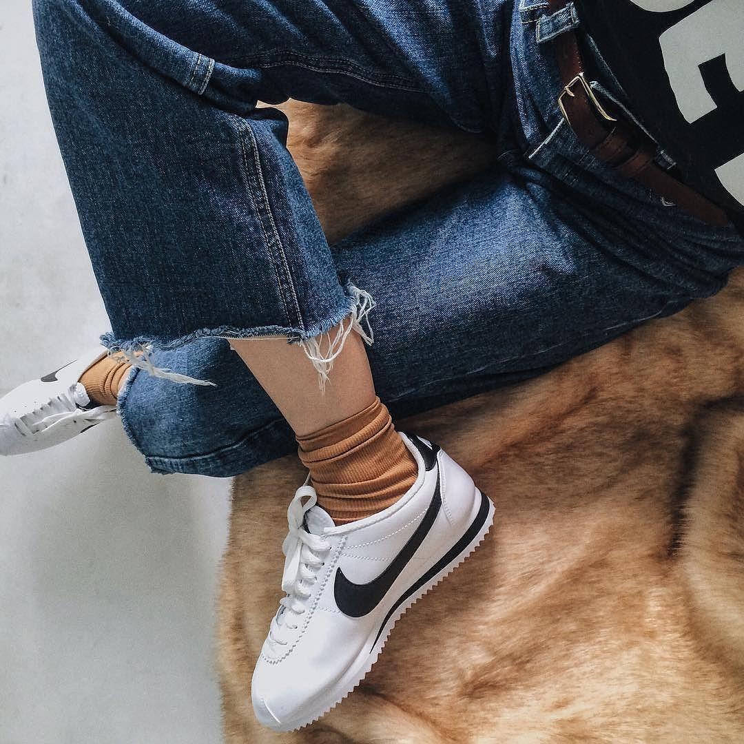 Sneakers femme - Nike Cortez (©hanyaseah)