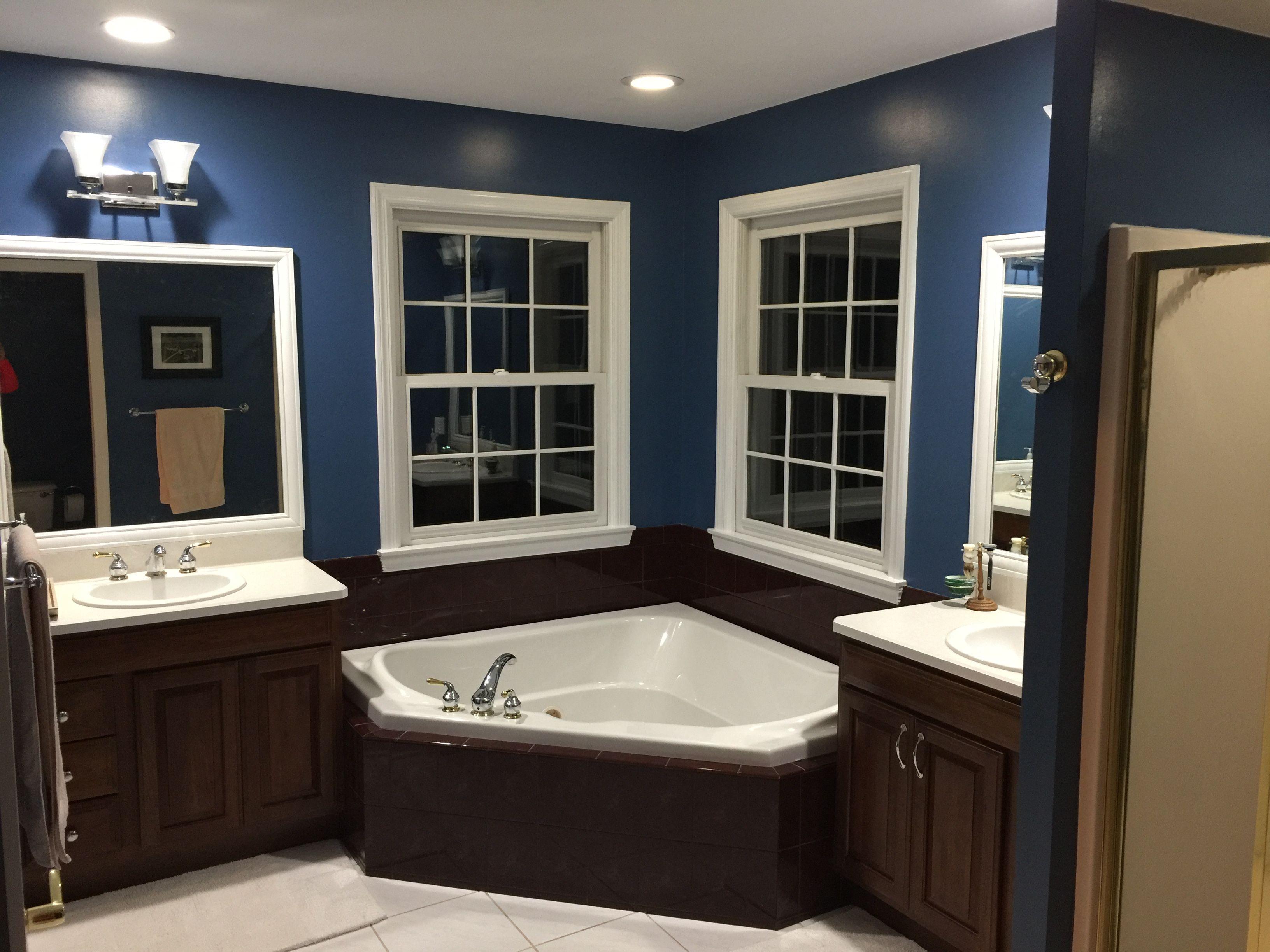 Sherwin Williams Inky Blue Yes Master Corner Bathtub