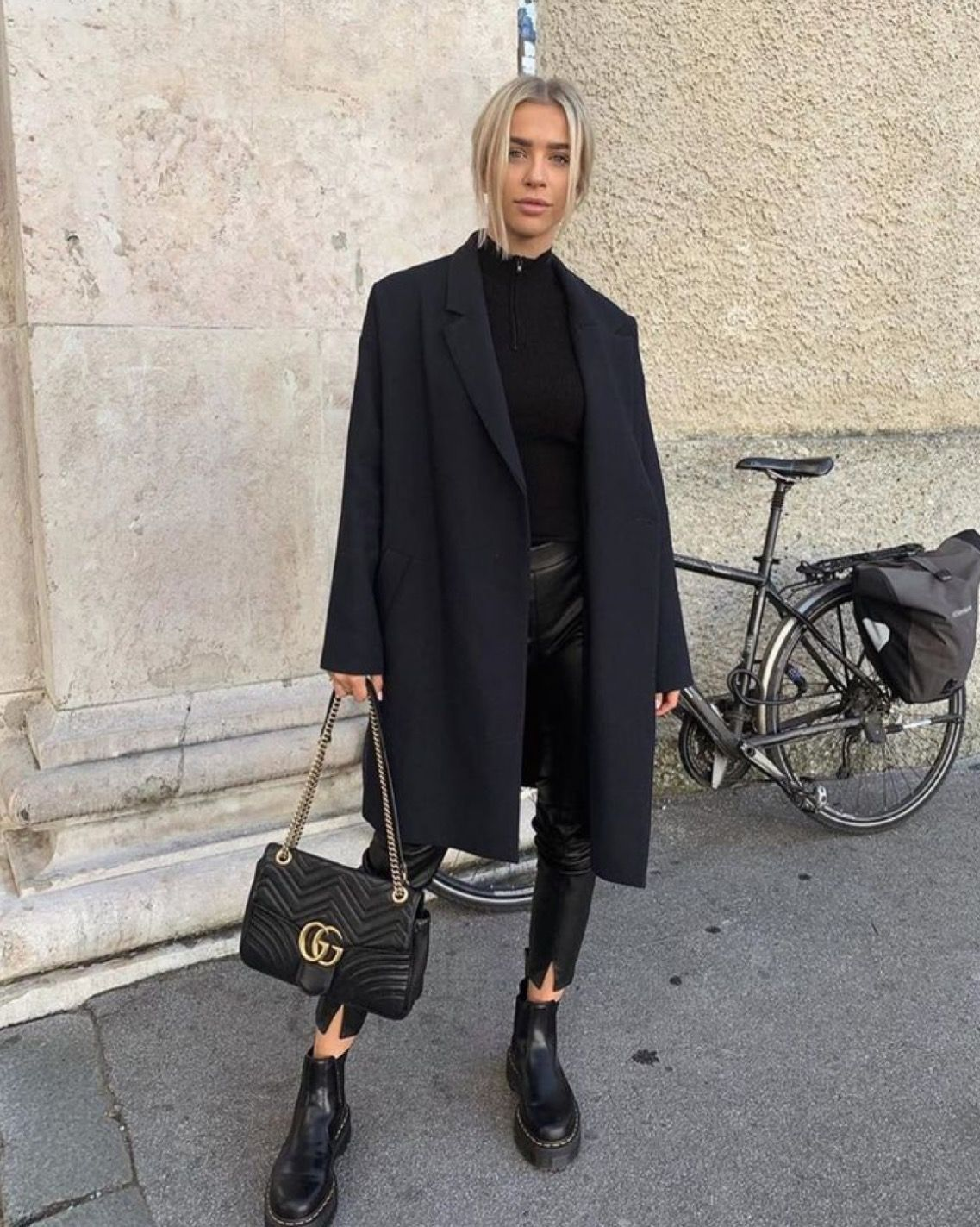 Oversized Black Coat + Leather Pants Street Style. #leatherpantsoutfit