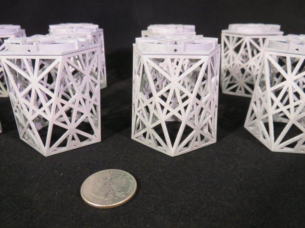 3d Printed Human Artifacts Are Being Sent To The Moon With Hopes Of Surviving Billions Of Years Prints 3d Printing Moon Art