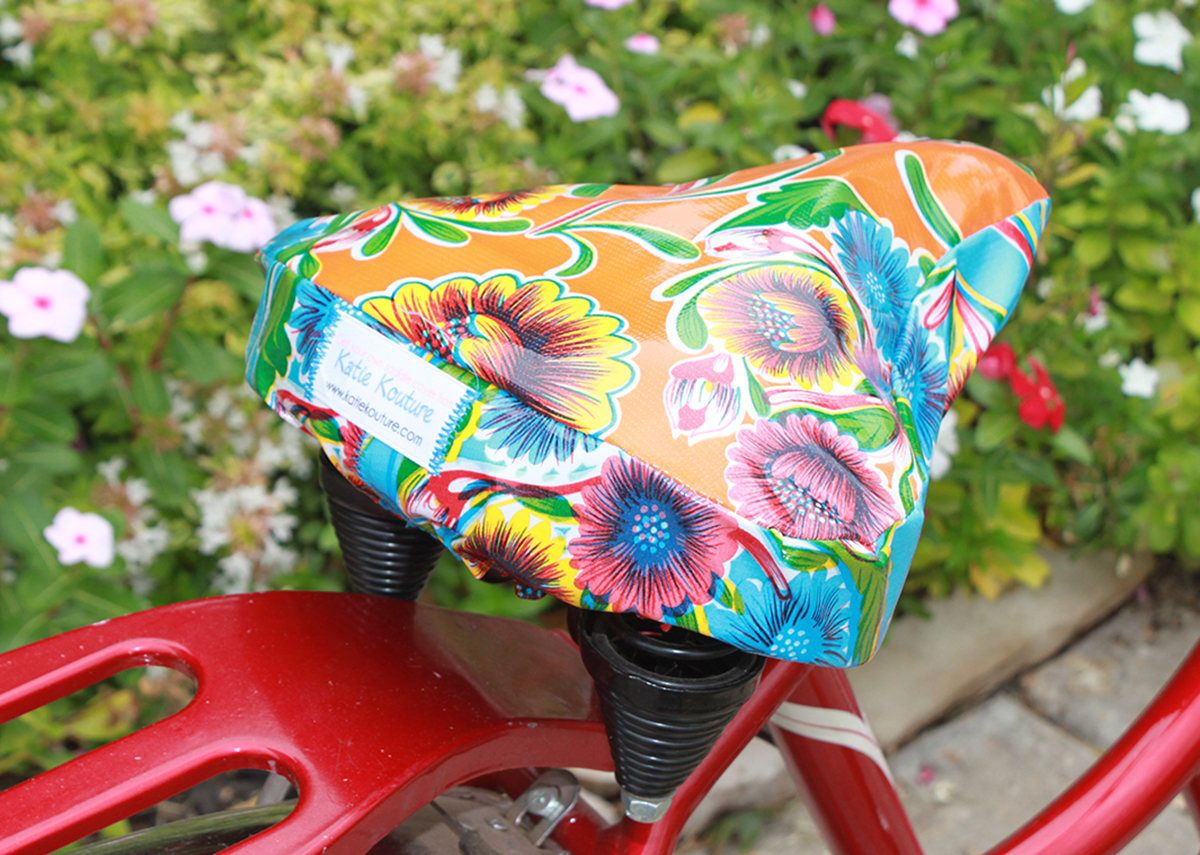 Bicycle saddle cover handmade with waterproof fabric