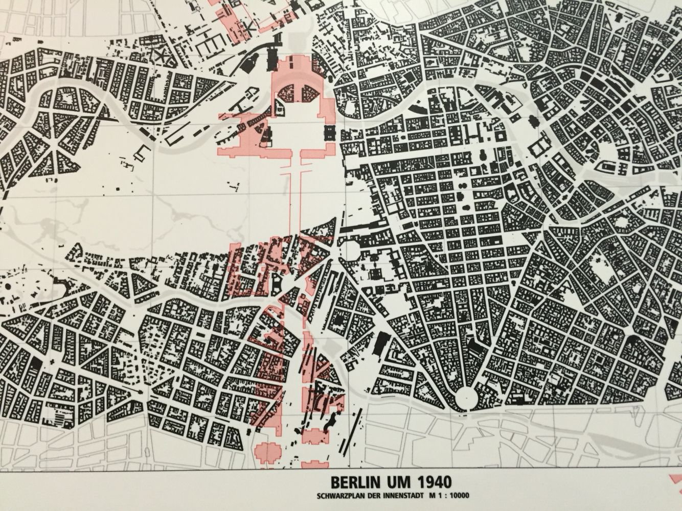 Netherlands Ns Map%0A      Berlin figure ground showing  in pink  Speer u    s plan for  rd Reich NS  axis