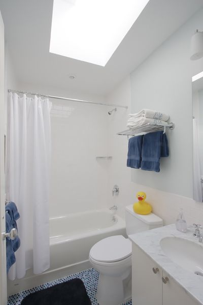 Kid 39 s bathroom in townhouse renovation in greenwood heights brooklyn by ben herzog architect for Bathroom remodel greenwood in