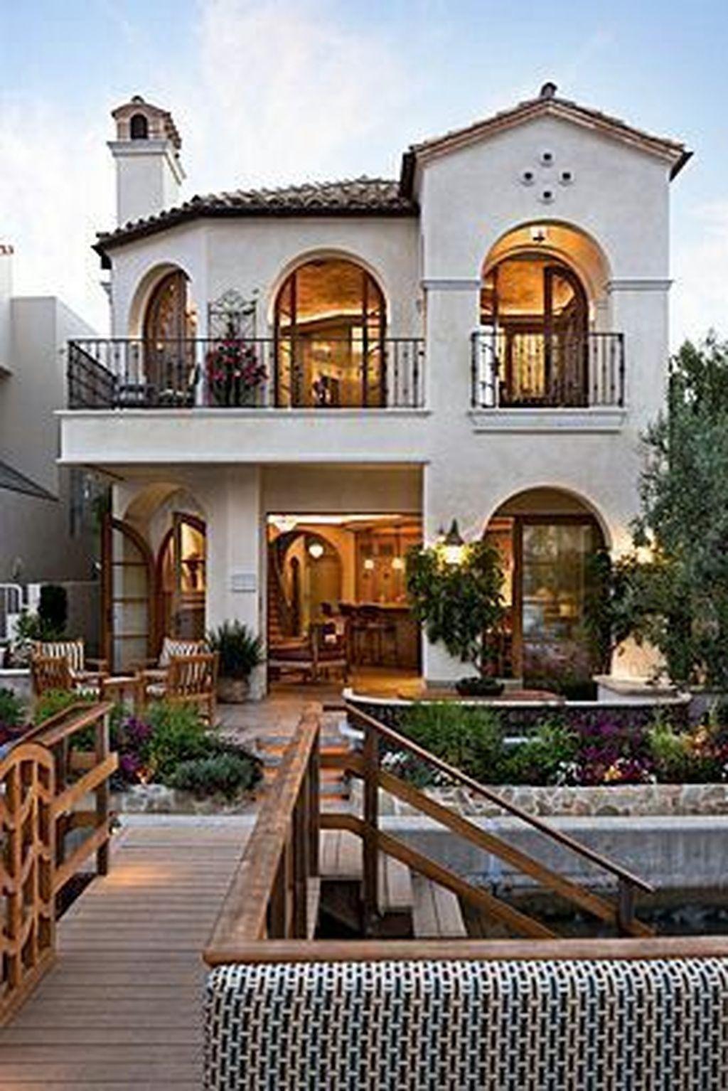 30 Stunning Villa Style Home Exterior Design Ideas ...
