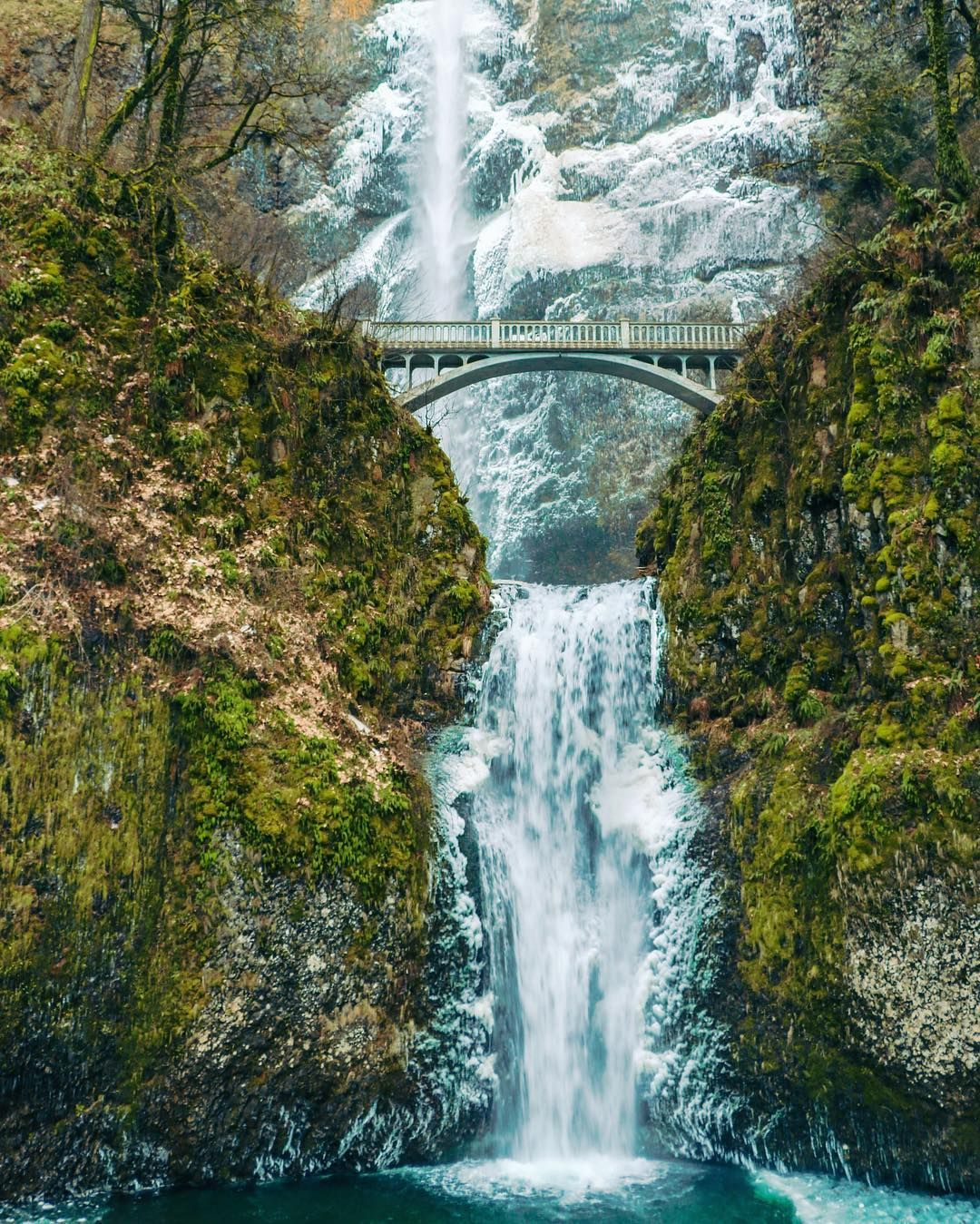 multnomah falls in oregon | 50 places in all 50 states you must see
