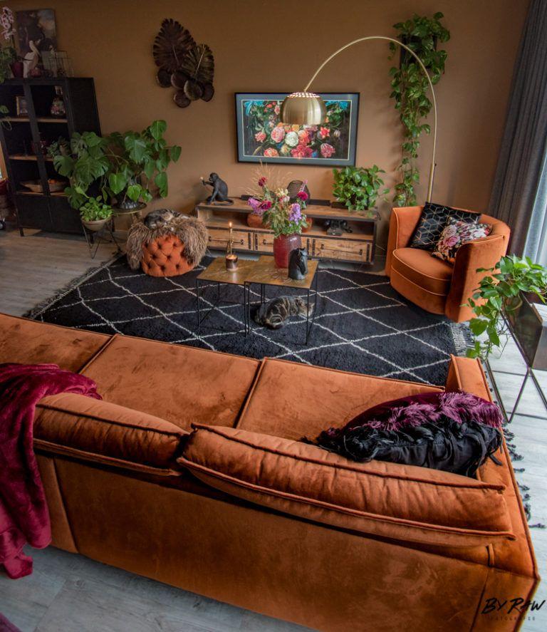 Photo of Zwart Beni Ouarain tapijt in de woonkamer. Heb je Yvonne's blog gelezen …