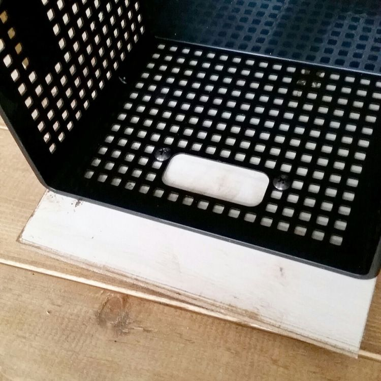 Photo of 『100均木材とプラかごで棚に引出しをDIY』