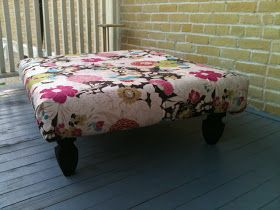 Mrs. Lawler's Lovelies: DIY Pallet Coffee Table/Ottoman!