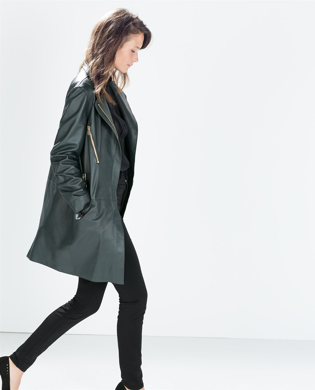 Catalogo Zara Leather Coat With Zips From Zara Fashion Catalogo Zara Zara