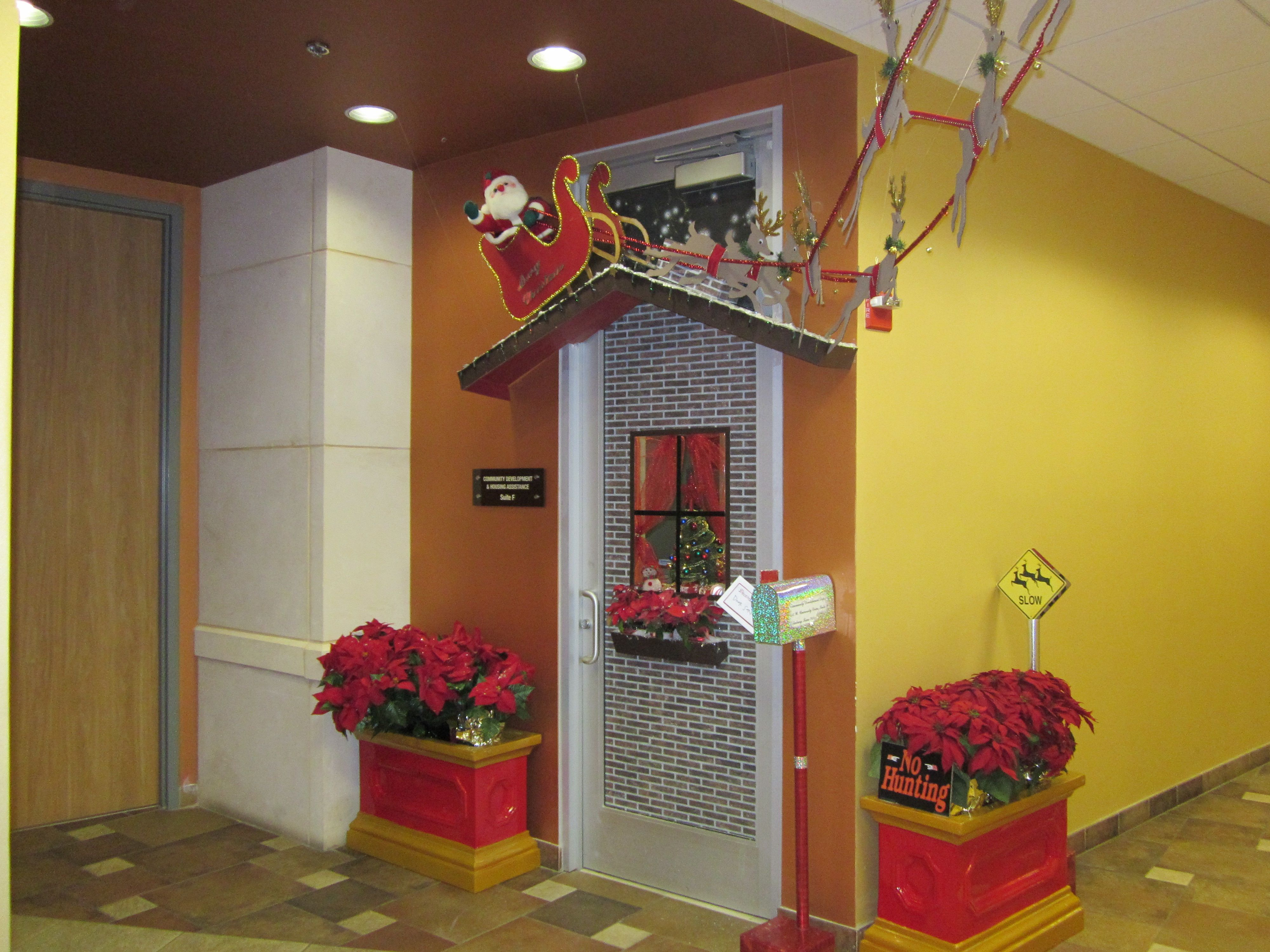 Christmas Decorating Ideas For Office Door Contest | Christmas ...
