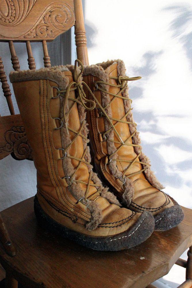 Vintage 70s Eskimo Mukluks Warm Winter Boots Woman Size 8