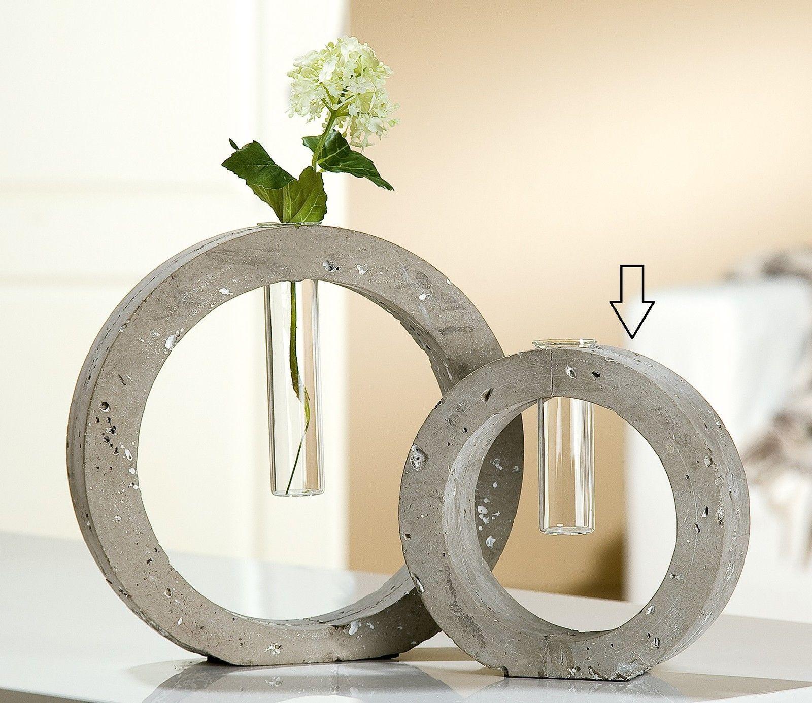 blumenvasen aus beton ganz anders beton zemet usw pinterest blumenvase zement und diy beton. Black Bedroom Furniture Sets. Home Design Ideas