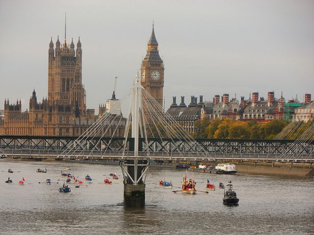 The Lord Mayors Flotilla in London | Europe a la Carte Travel Blog  #london #travel #vacation