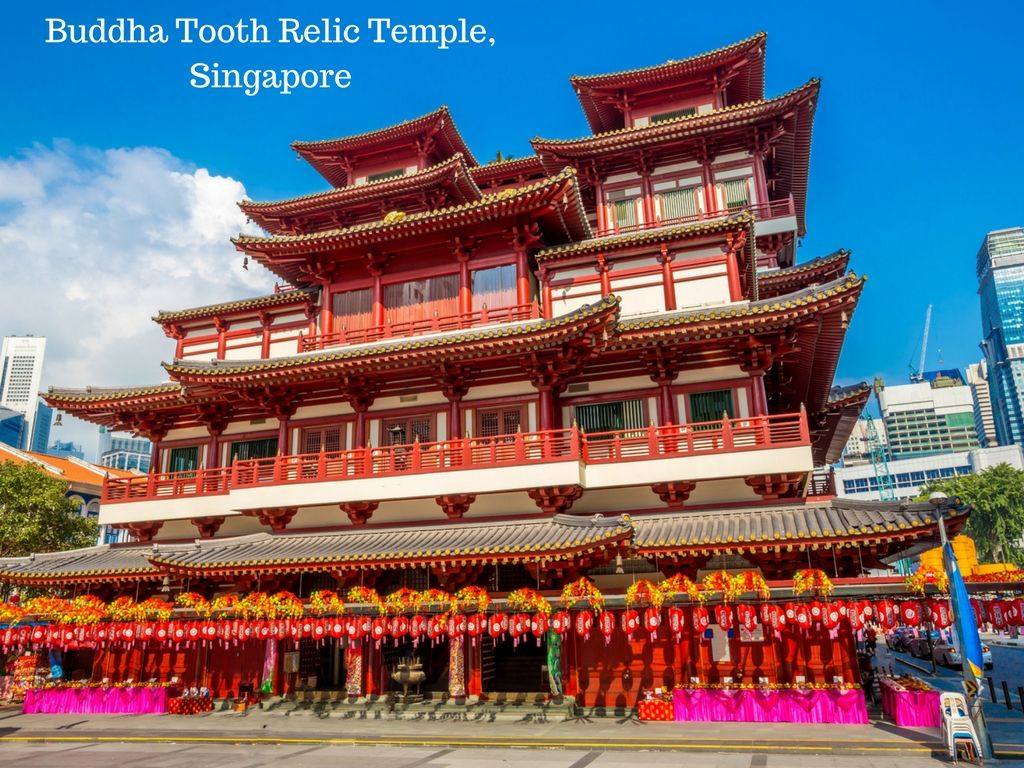Set Amid Singapore S Chinatown District The Buddha Tooth Relic Temple And Museum Looks Like An Amazing Photo Opportunity A Travel Agent Lake Trip Travel Fun