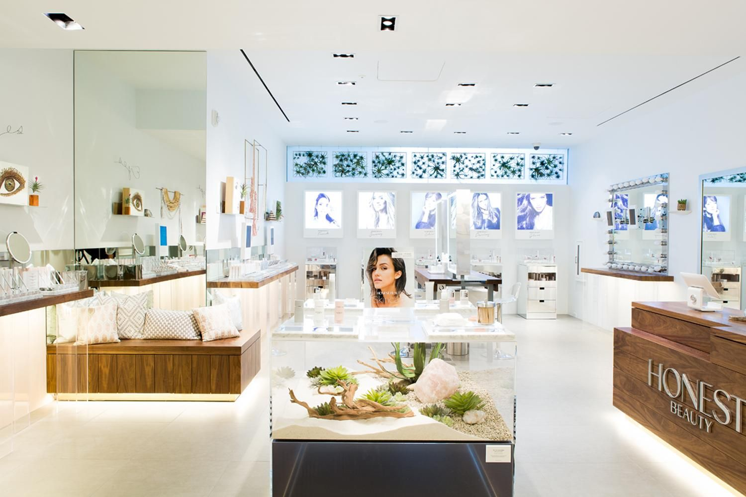 Last week we opened the doors to the first Honest Beauty retail