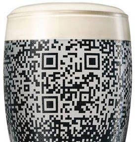 Código QR en un vaso de 500cl (Pint o Pinta). Sólo funciona si pones cerveza Guinness en el vaso :S