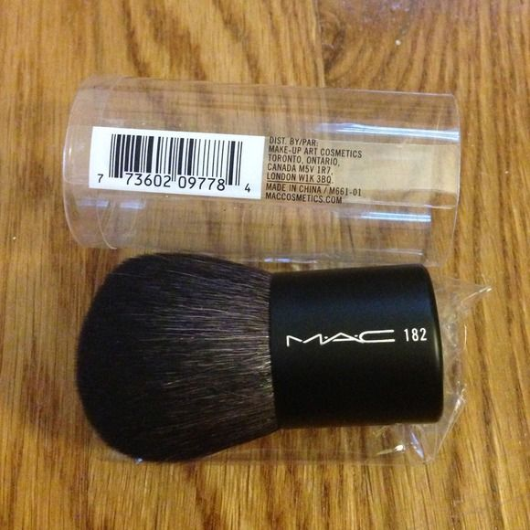 Mac 182 buffer brush Brand new in box great for loose powders and touch ups on the go MAC Cosmetics Makeup Brushes & Tools