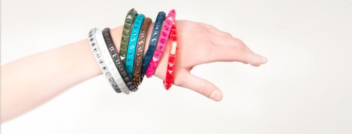 tie-ups Glambands, the first studded wristbands made of recyclable plastics www.tie-ups.com
