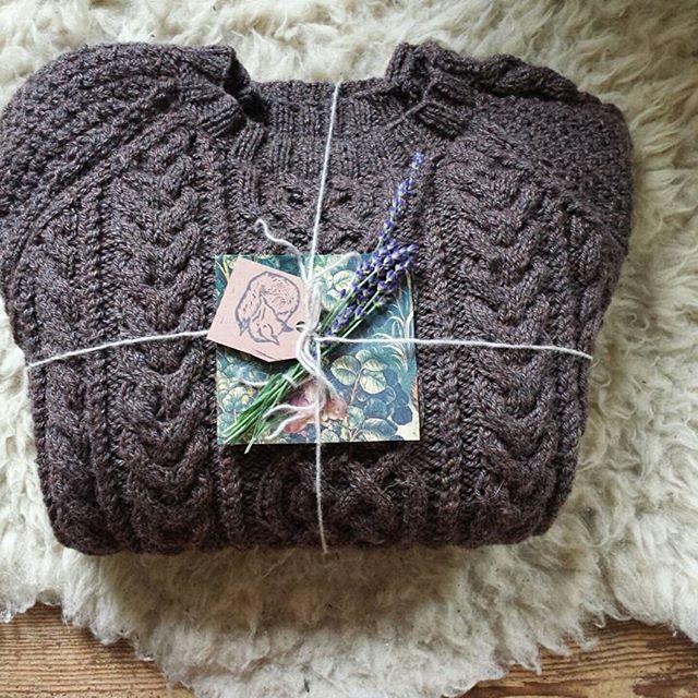 Gift for Jamie ❤ #knittersofinstagram #handknit