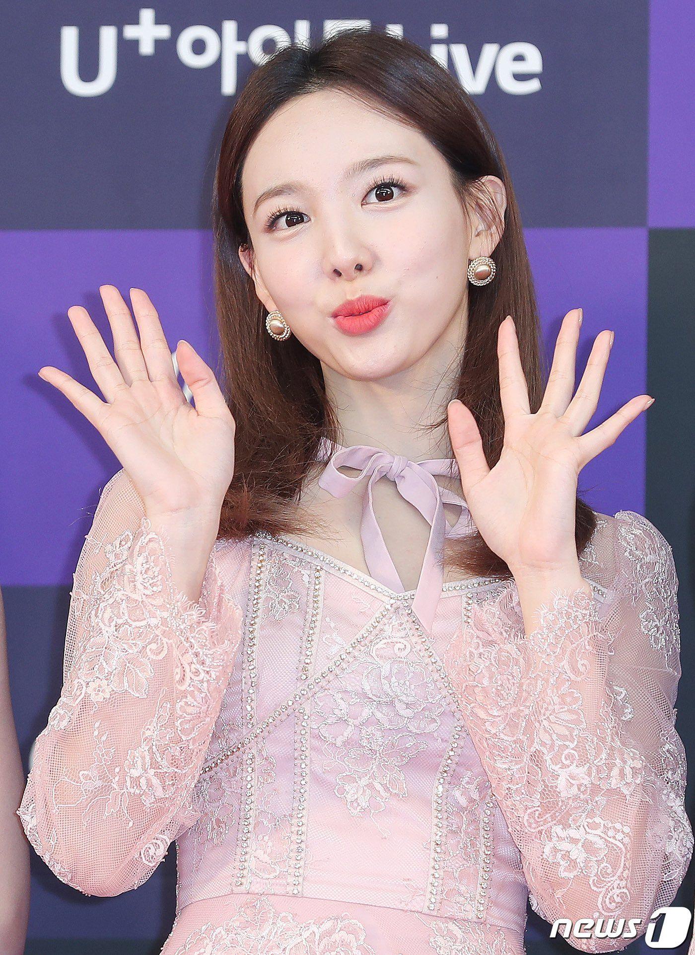 체리블라썸 on Twitter in 2020 Nayeon, Golden disk awards, Twice