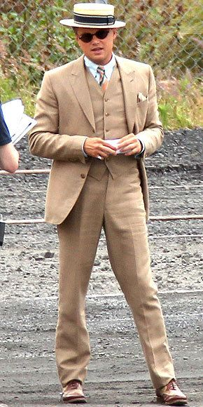Leonardo DiCaprio - The Great Gatsby.i spy something in his pocket. Or  maybe he s just happy to c me dffa82845f60