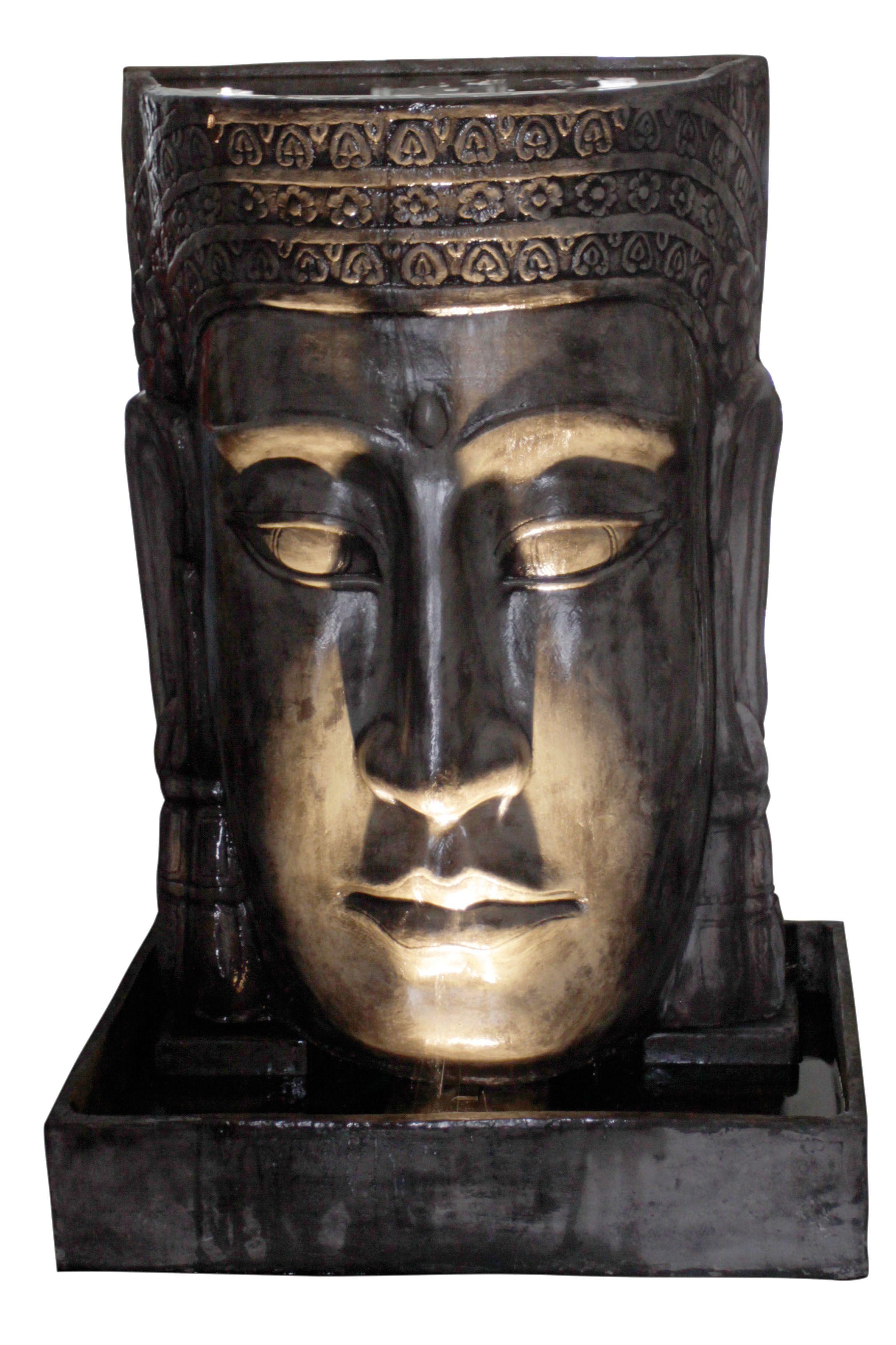 Uberlegen Mit Einem LED Licht Oder Zwei Lässt Sich Ein Wasserspiel (z.B. Der Khmer  Kopf)