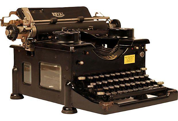 1921 Royal 10 Standard Typewriter