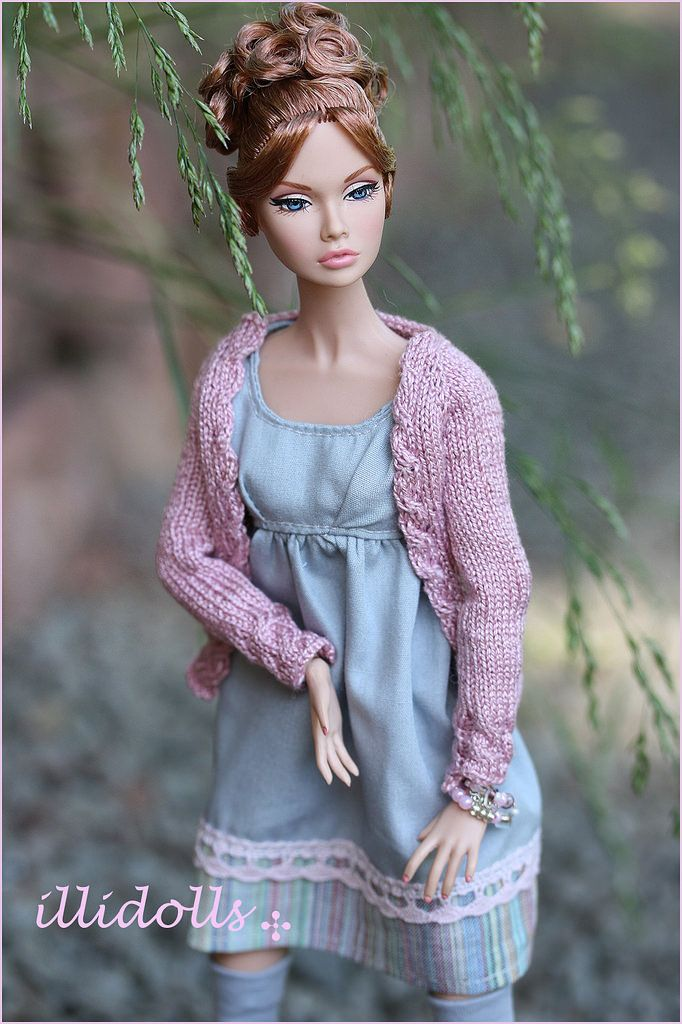 https://flic.kr/p/u8MJKP | Thursday | The fourth day of my Poppy week. <i>Fashion credits:</i> Cardigan - me Dress - me Socks - me Shoes - Poppy Parker Bracelets - I´m not sure ... Levitation_inc. or me <i>Model</i> Corie Bratter