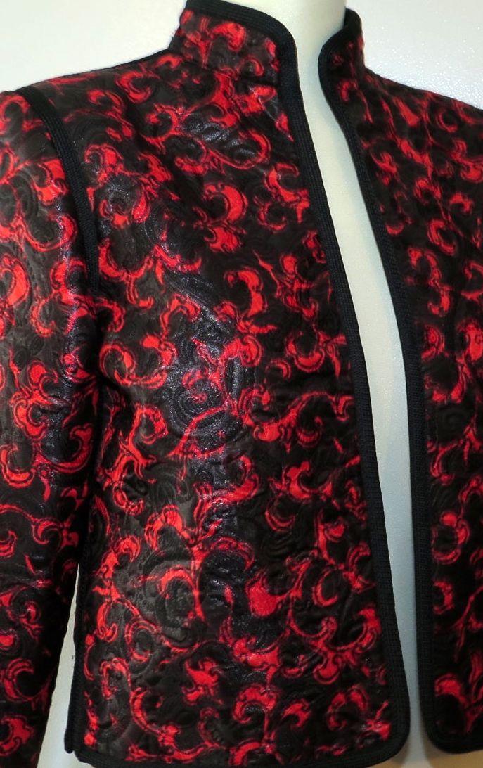 fc91671d425 Yves Saint Laurent - Rive Gauche - Veste Boléro - Satin à Brocarts Rouge et  Noir - Vintage