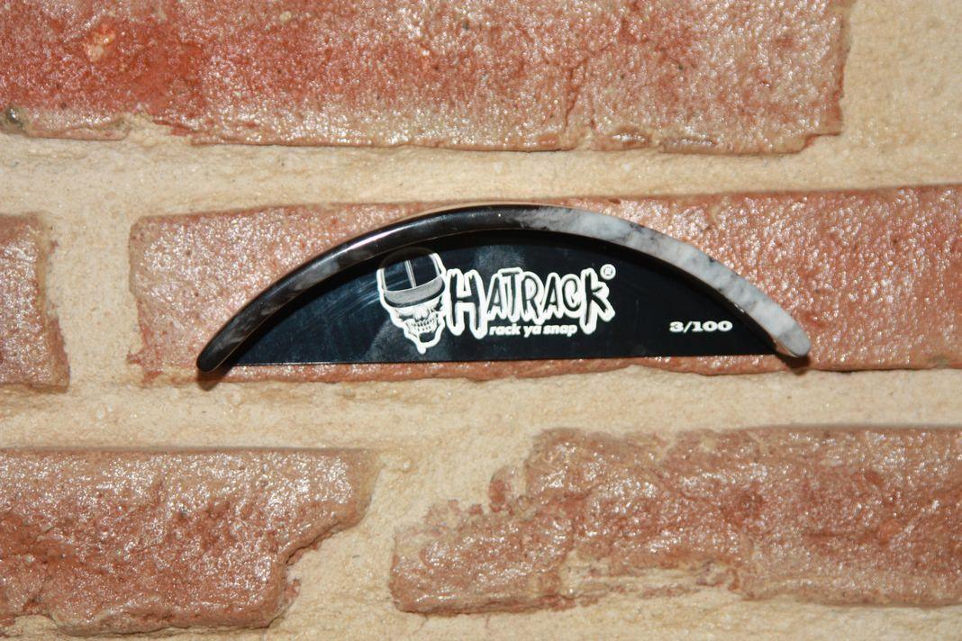 Support mural Hatrack numéroté 3/100