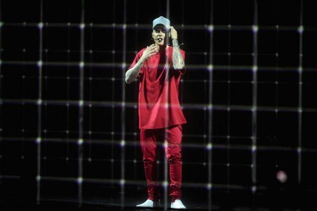 #MTVEMA #2015 Justin cantando #whatdoyoumean #justinbieber #sorry #purpose #bieber #beliebers #swag #Bizzle #calvinklein #whereareünow