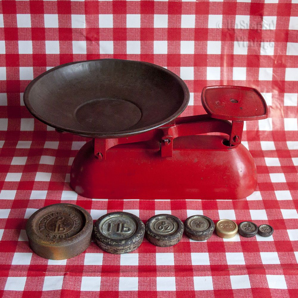 Vintage RED Cast Iron 1950s Kitchen Scales & Weights with