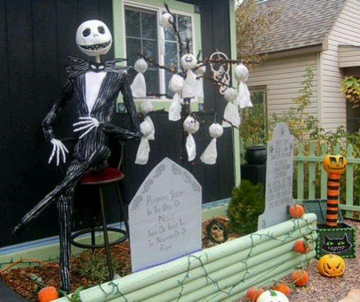 fun kid friendly diy halloween decorations yard one day for halloween - Halloween Ideas For Yard